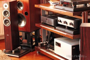Loa Dynaudio Excite X34 (Rosewood)