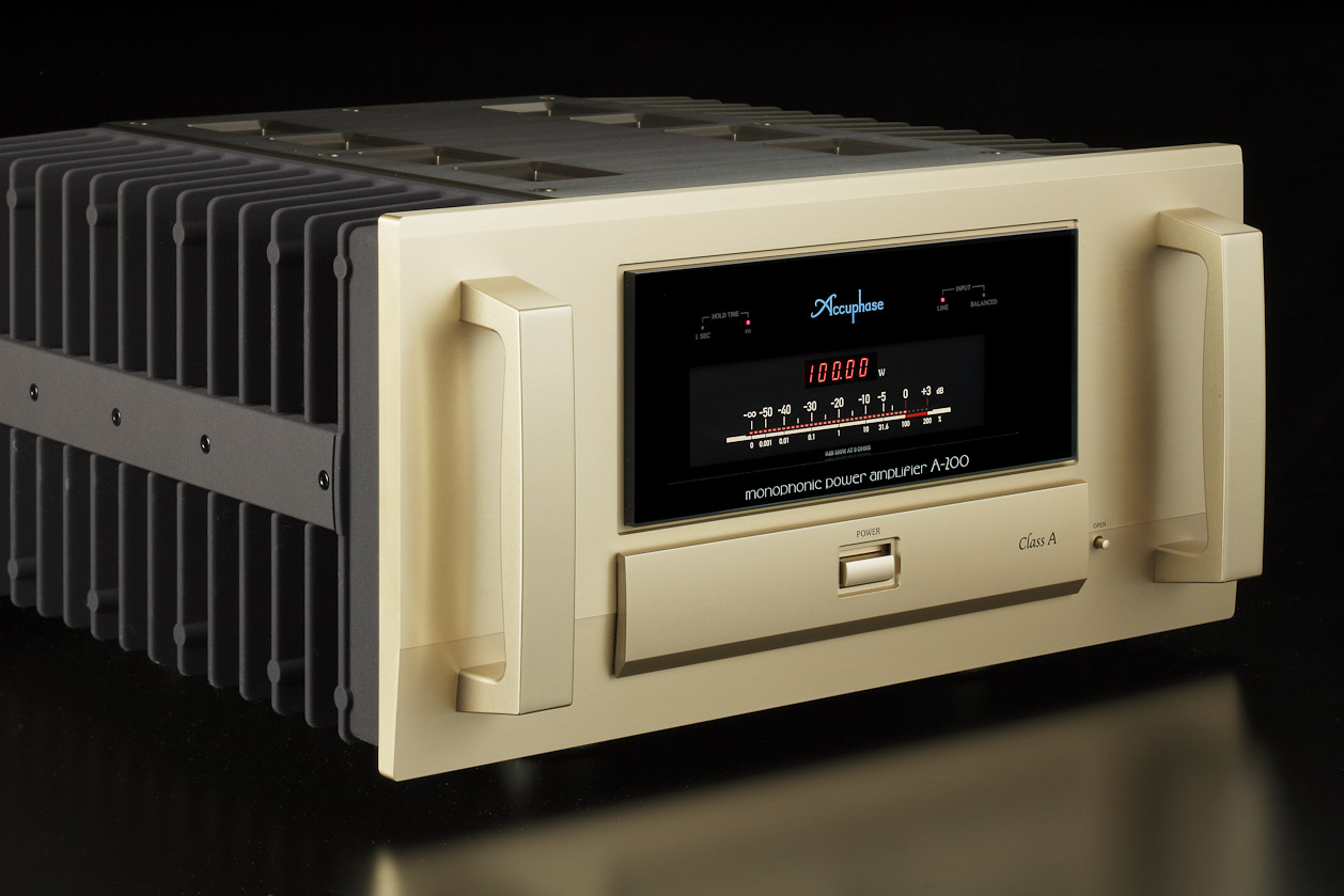 Accuphase A-200 4