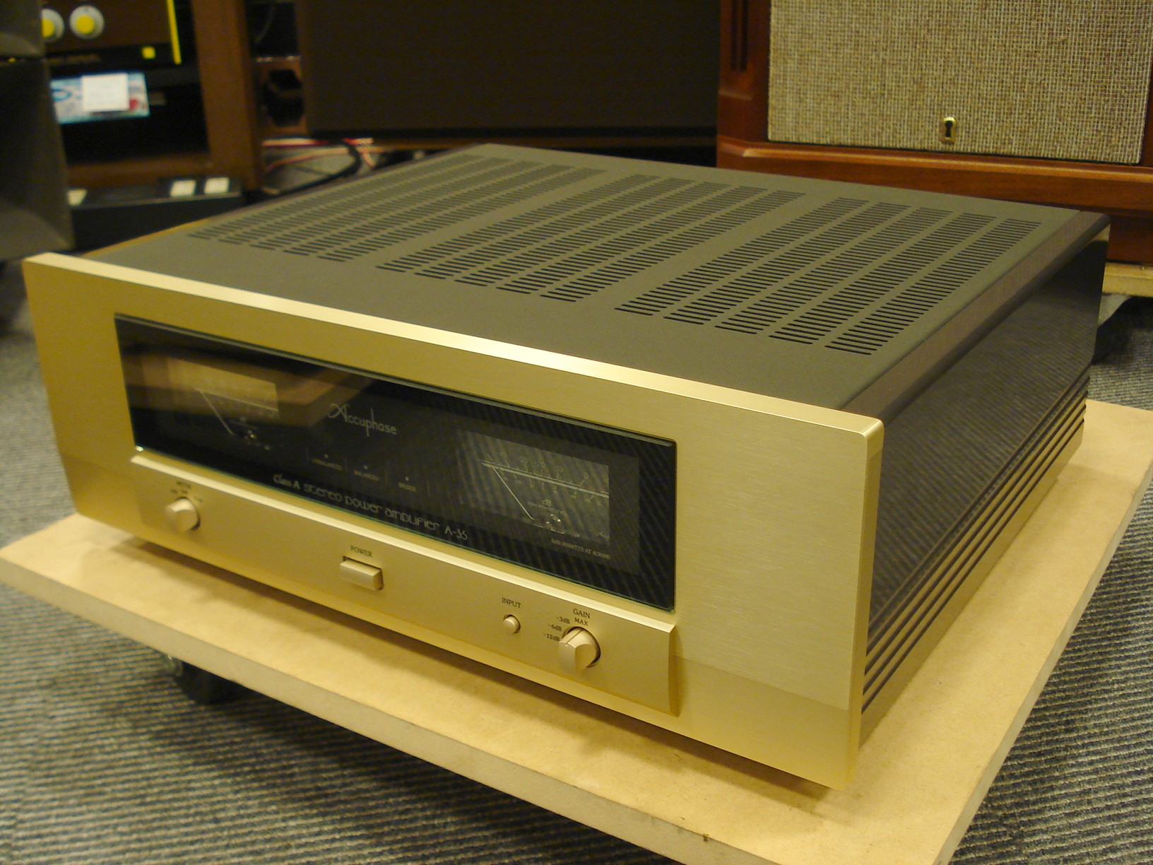 Accuphase A-35 4