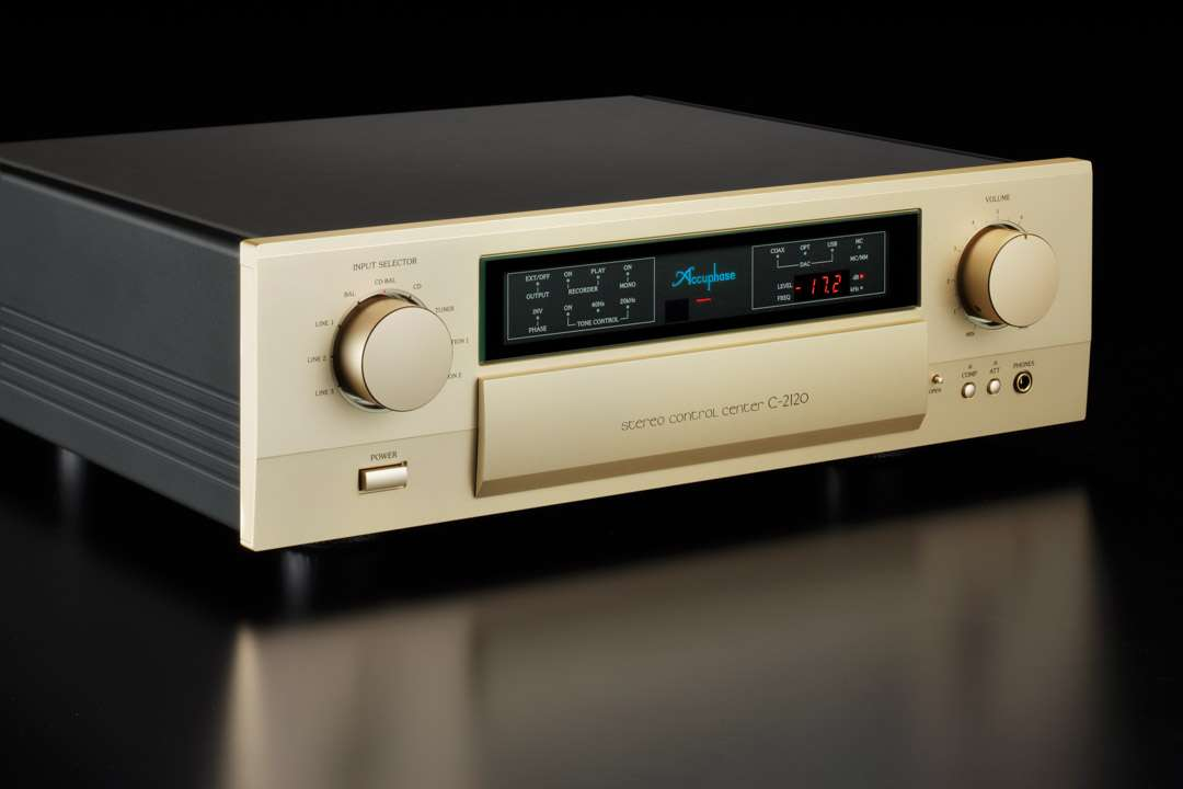 Accuphase C-2120 5