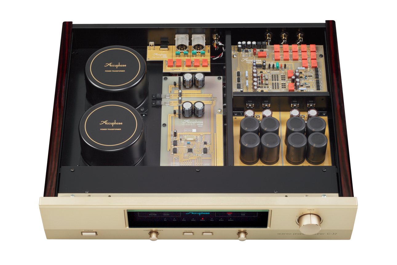Accuphase C-37 3