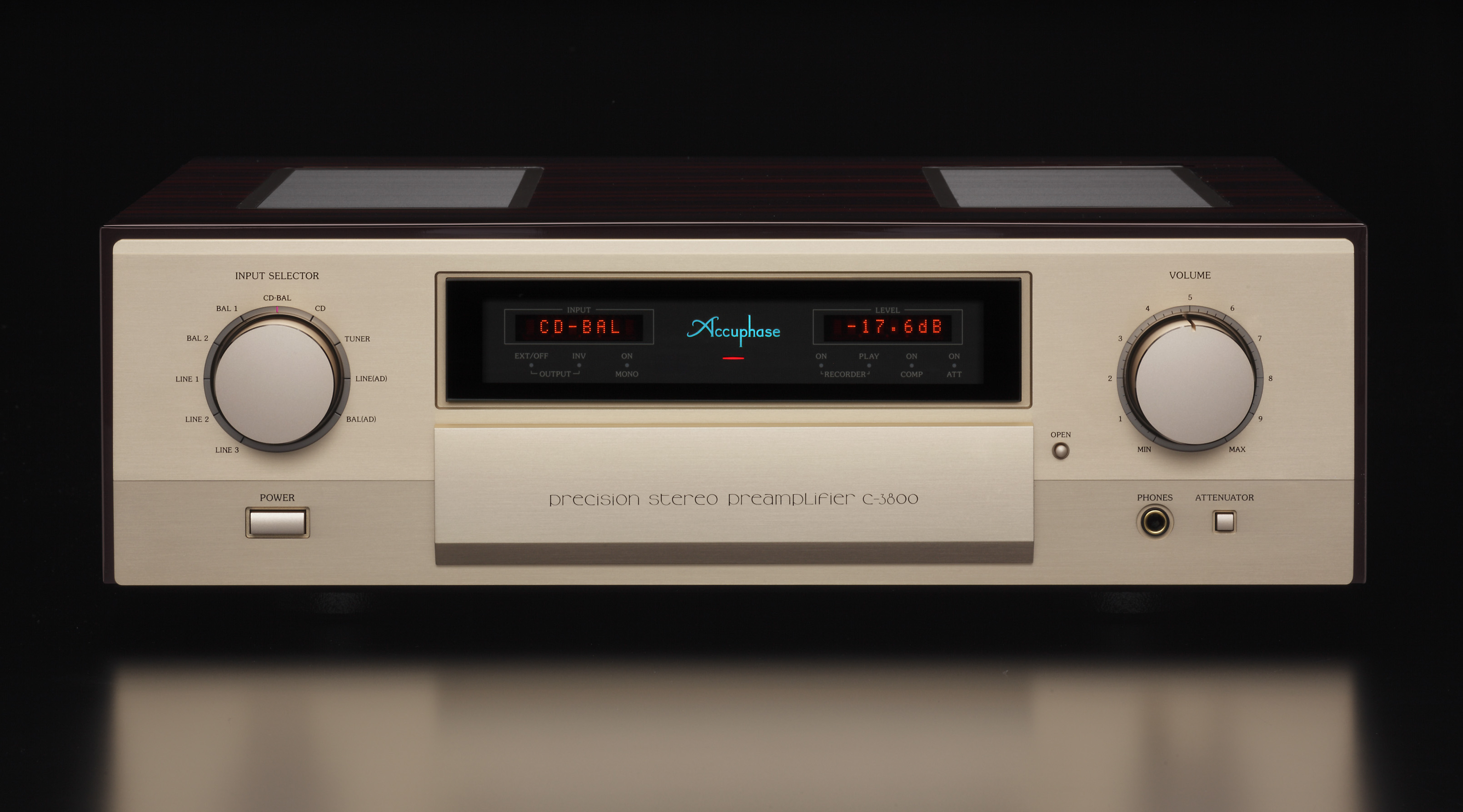 Accuphase C-3800 4