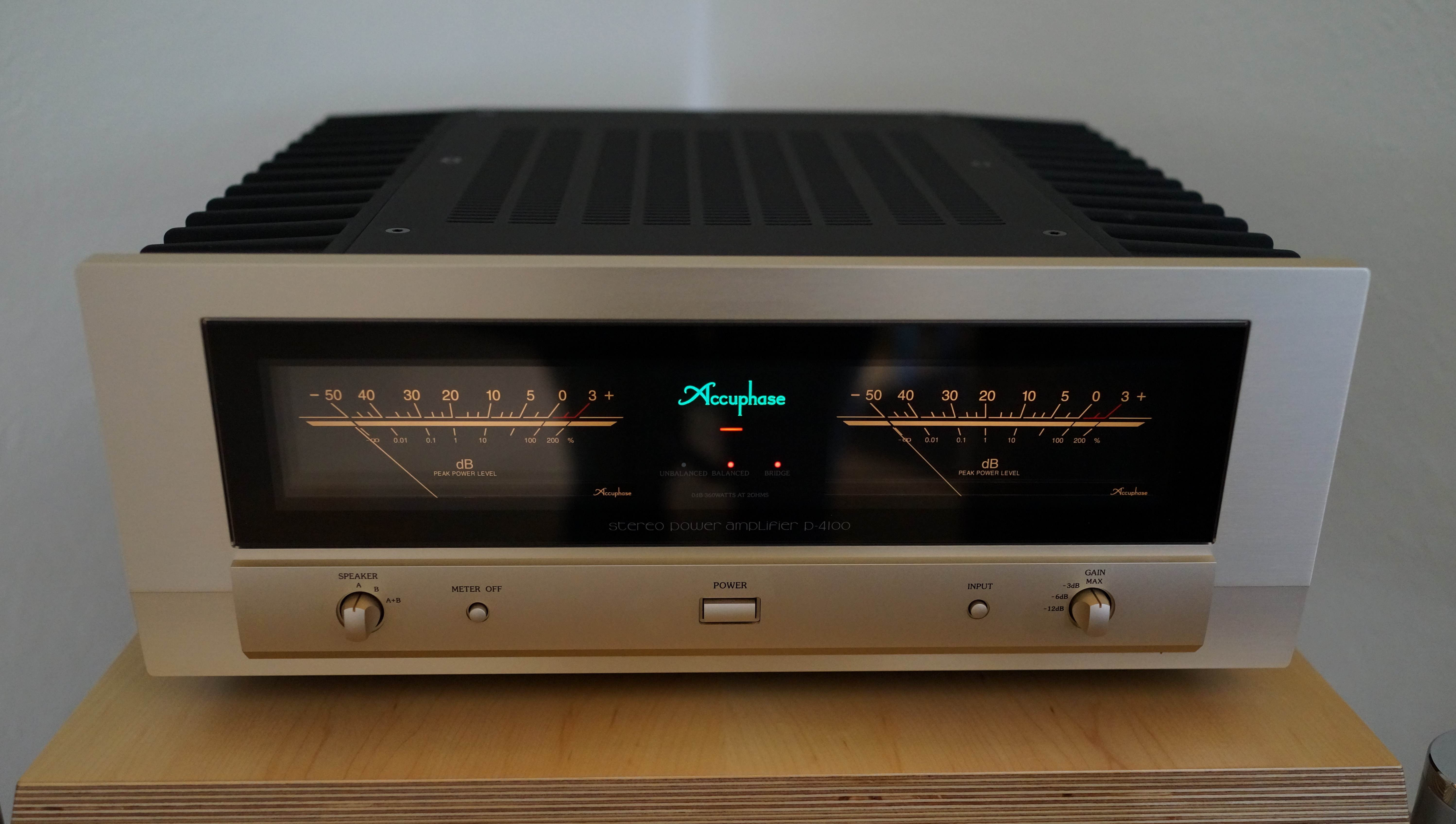 Accuphase P-6100 5