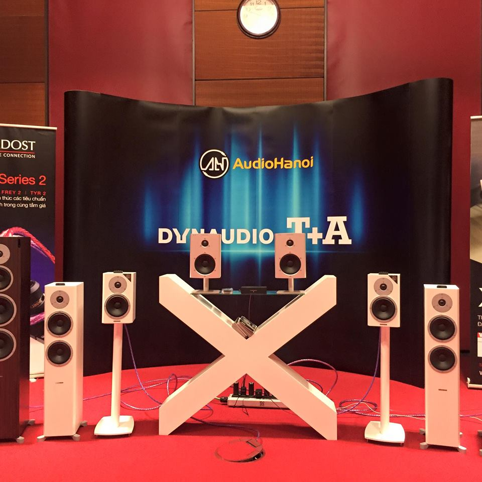 gian-phong-trien-lam-dynaudio cua audiohanoi